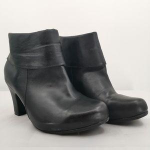 Solesenseability Women's Size 8.5 Black Bootie